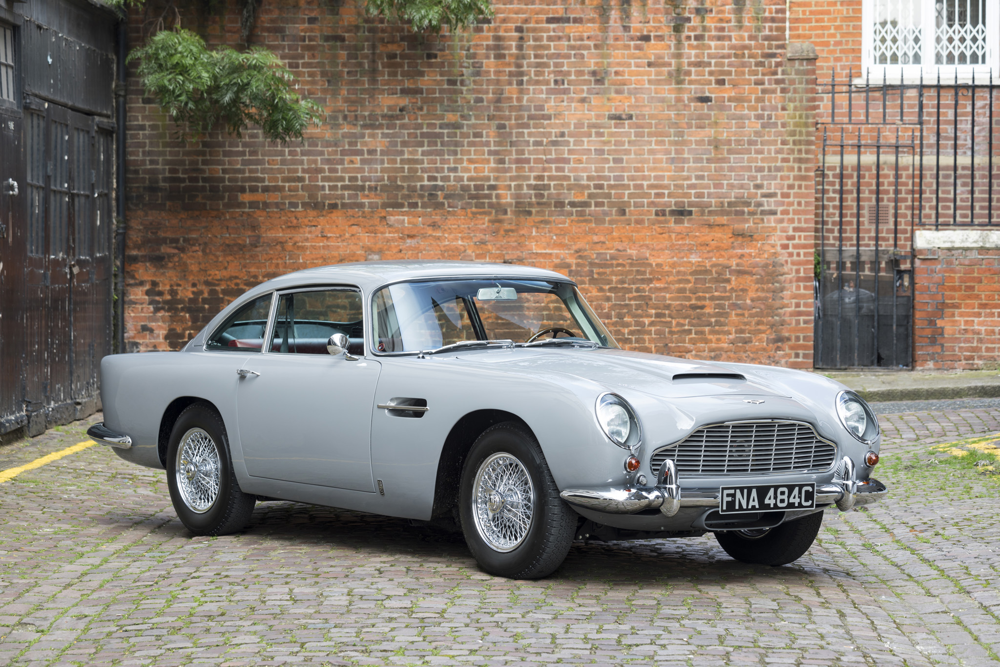 1965 aston martin db5 cars for sale fiskens. Black Bedroom Furniture Sets. Home Design Ideas